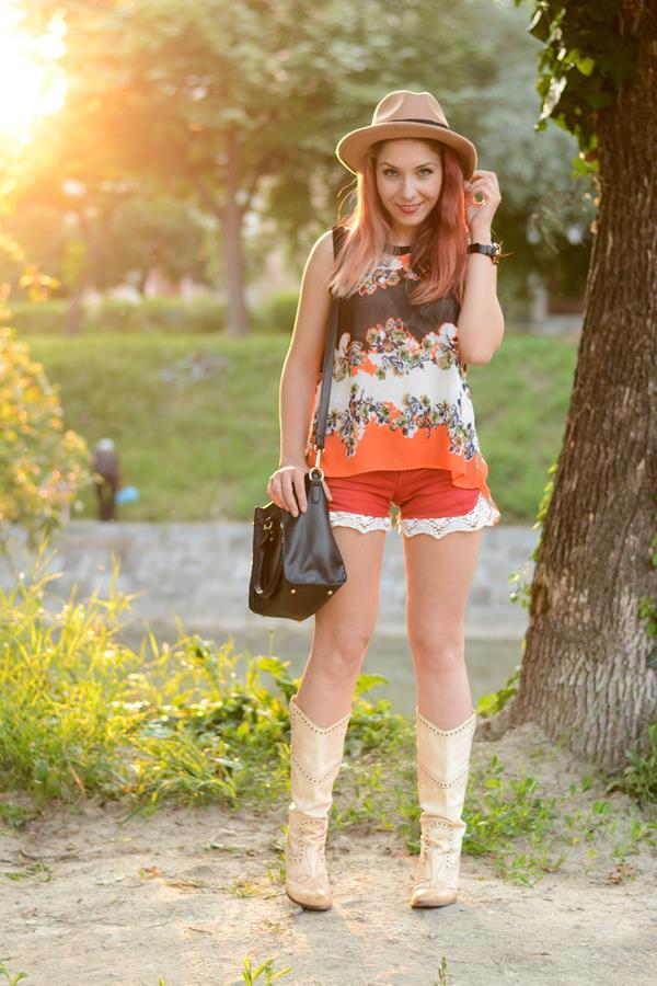 lace detail shorts