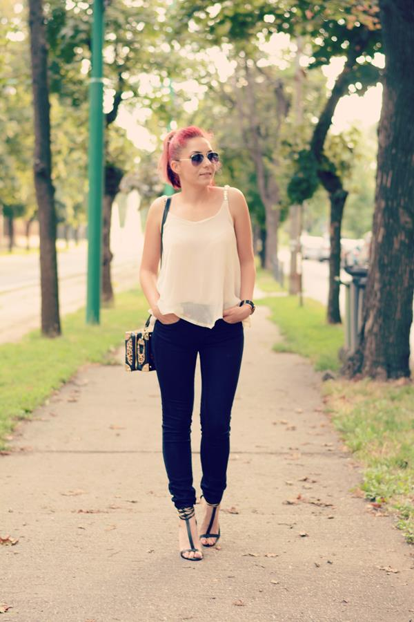 nude top jeans heels