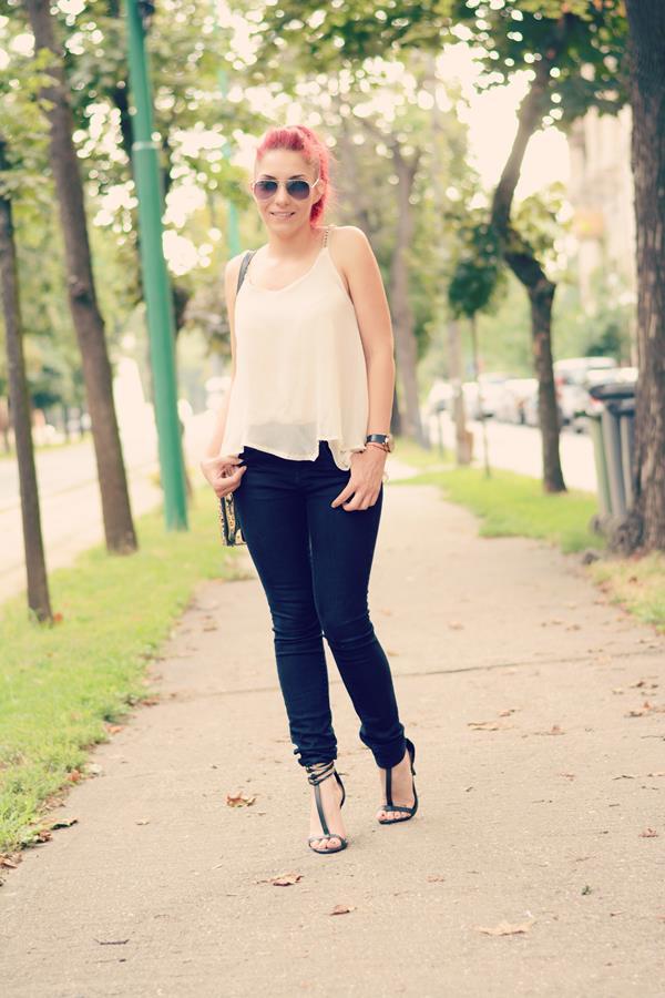 elegant top jeans chain heels