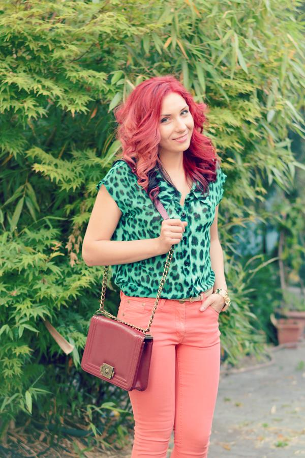 green red head