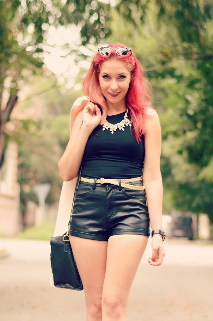 texture mix leather shorts