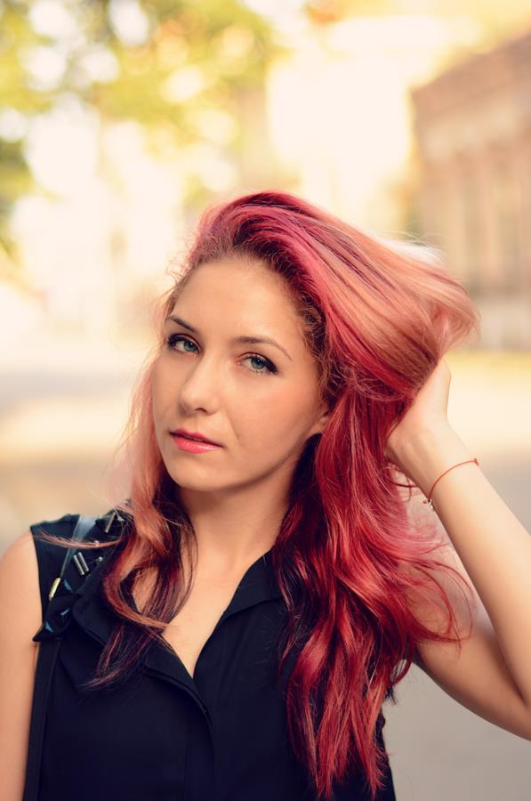 redhead black top