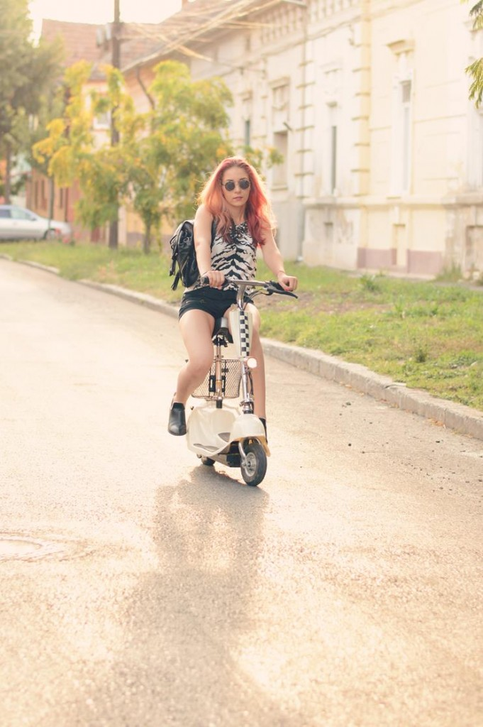 electric scooter school fashion
