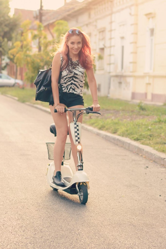 scooter photoshooting fashion fun