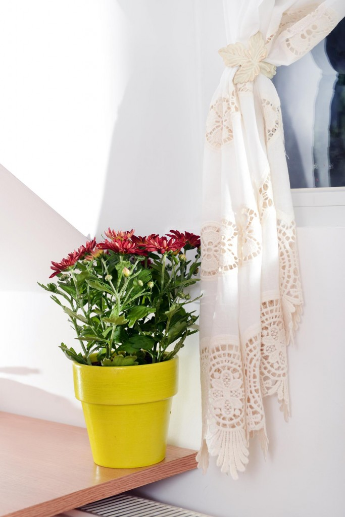 lace curtain vase pot flower