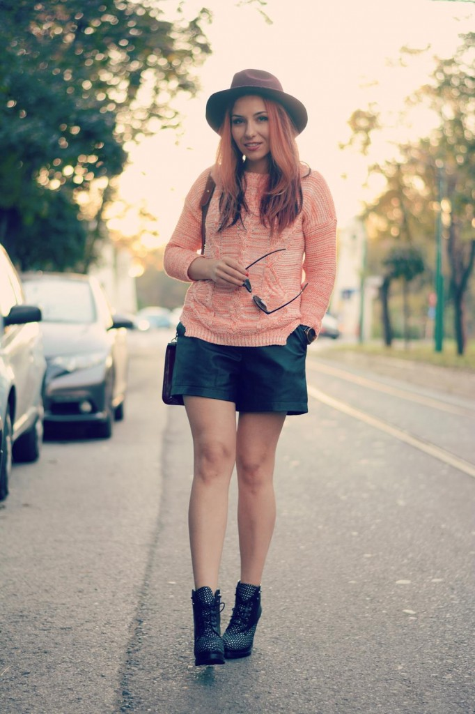 dotted boots knit jumper