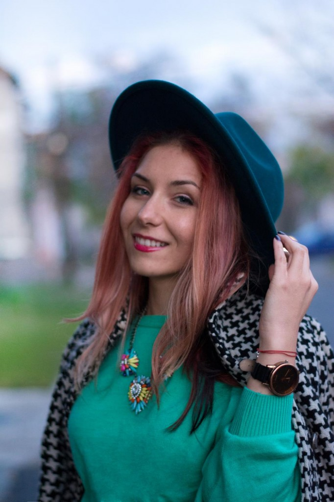 teal hat street fashion