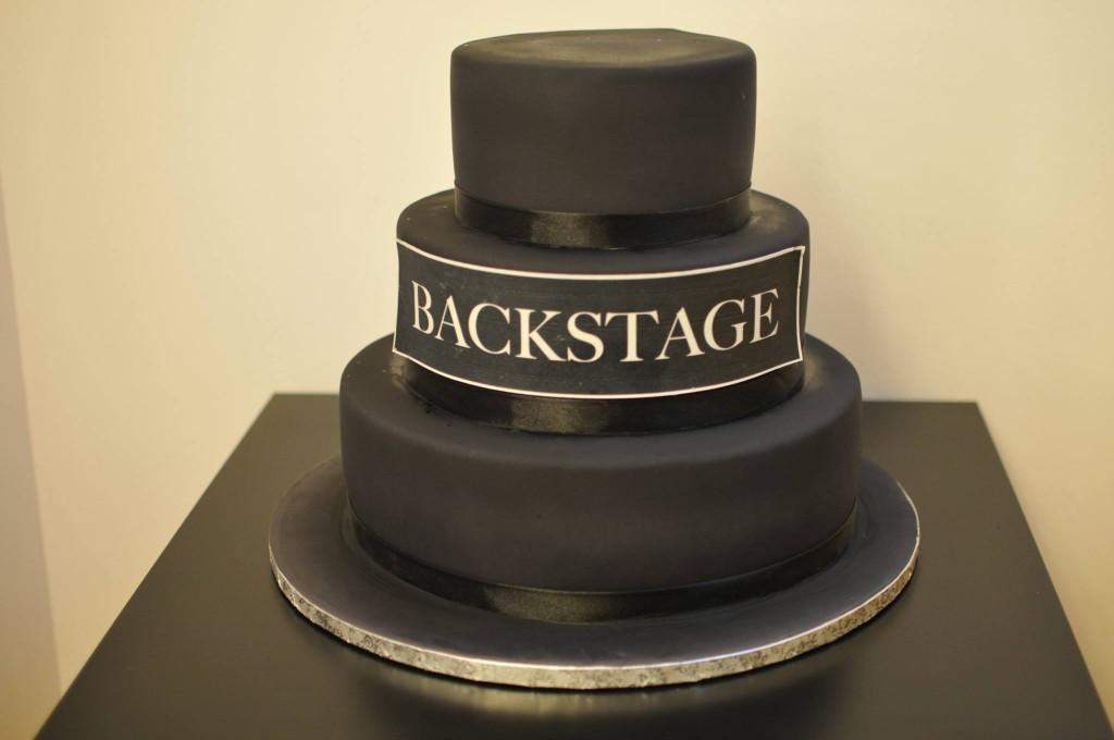 black fondant cake party