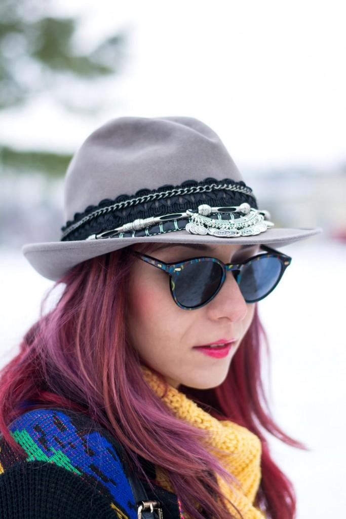 diy embellished hat look