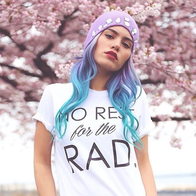 purple-orange-haircolor-blogger
