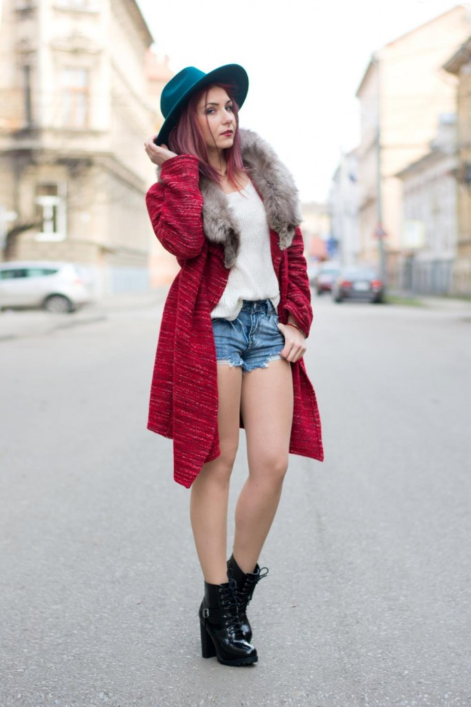 denim shorts knitted cardigan