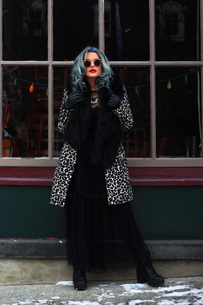 Kayla grey color hair blogger