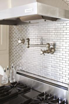metallic kitchen backksplash