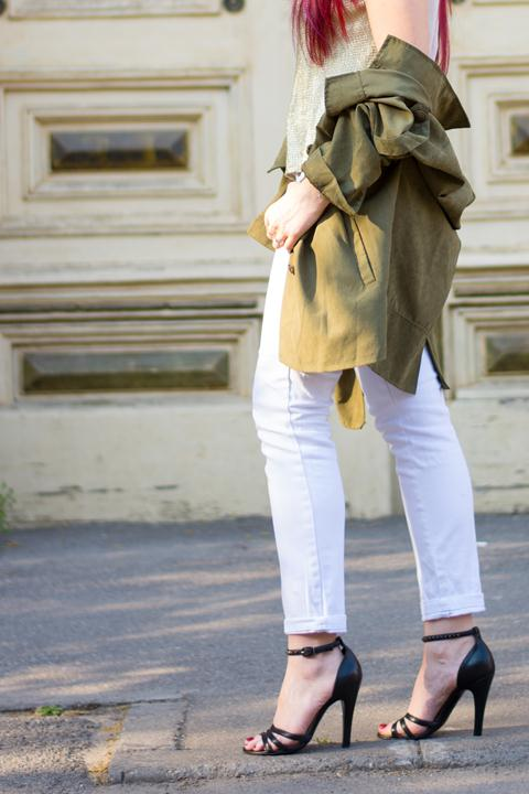 khaki gold and white jeans look
