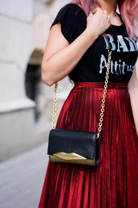 diane von furstenberg lips shoulder bag