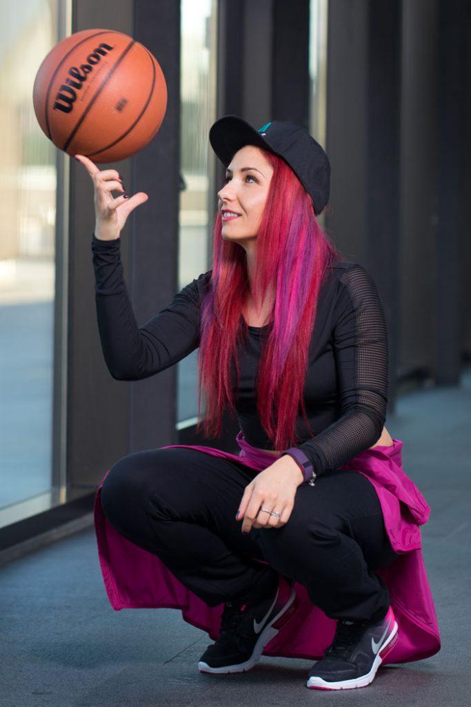 tinuta sport pentru baschet