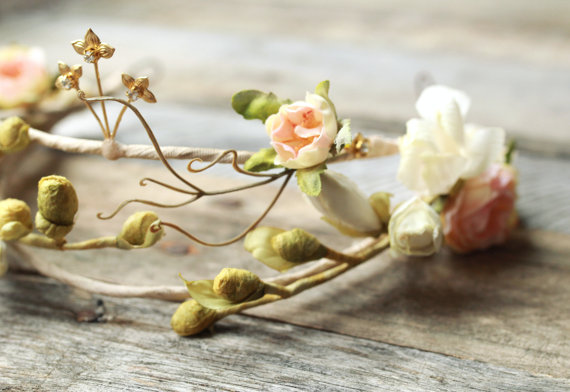 floral hair band for brides