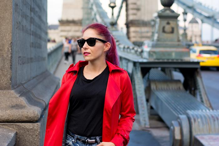 how to wear a red trench coat